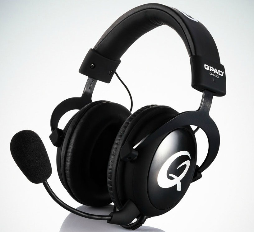 QH90_HyperX_cloud_headset_gaming