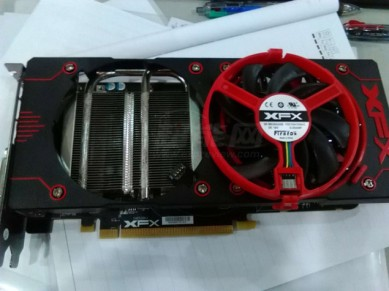 XFX-Radeon-R9-380X-Double-Dissipation_2-635x476