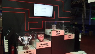 BGS2015 - Estande Pain Gaming Galeria de Trofeus