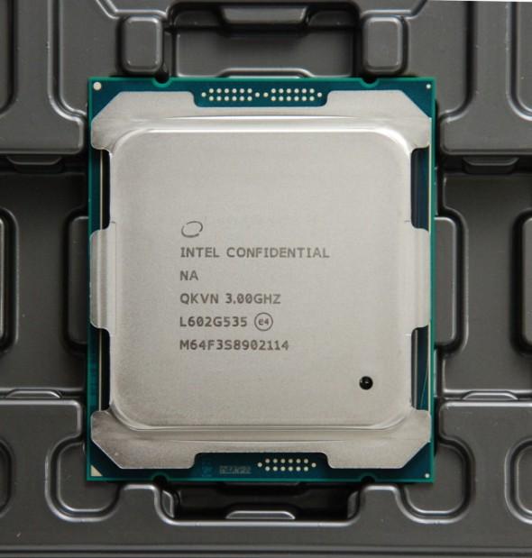 Intel-Core-i7-6950X_1-635x667