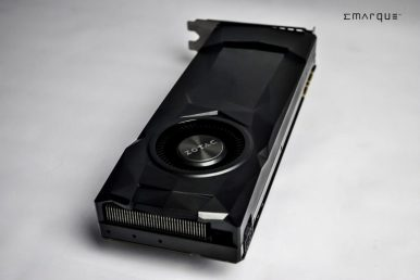 ZOTAC-GeForce-GTX-1070-Reference-Edition-4-900x602