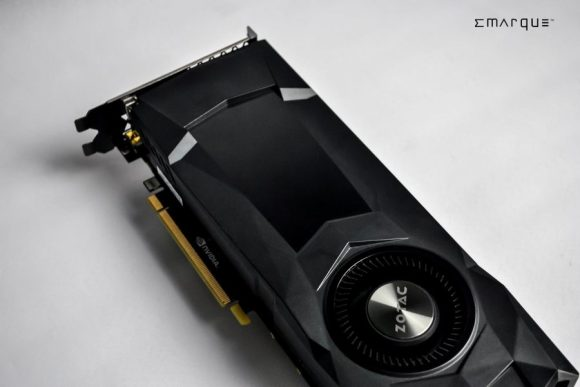 ZOTAC-GeForce-GTX-1070-Reference-Edition-8-900x602